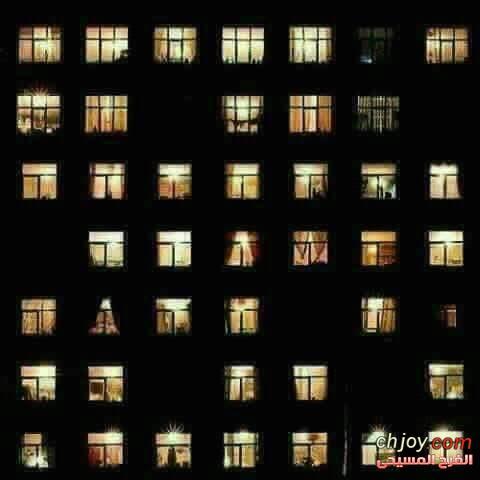 كهذي النوافذ قلوبنا