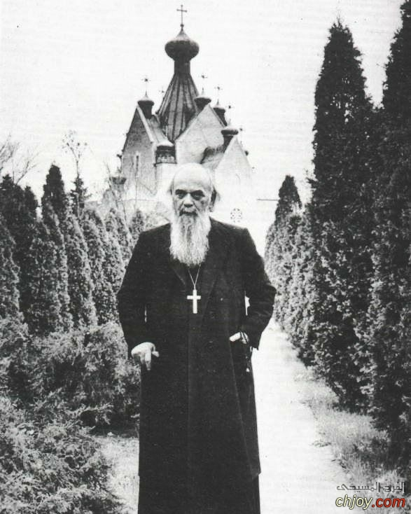 القديس نيقولاي فليميروفيتش يصلى من اجل اعدائه