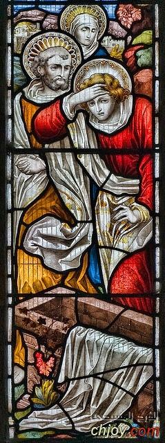 ✥القديس يوحنا الحبيب عند القبر الفارغ✥