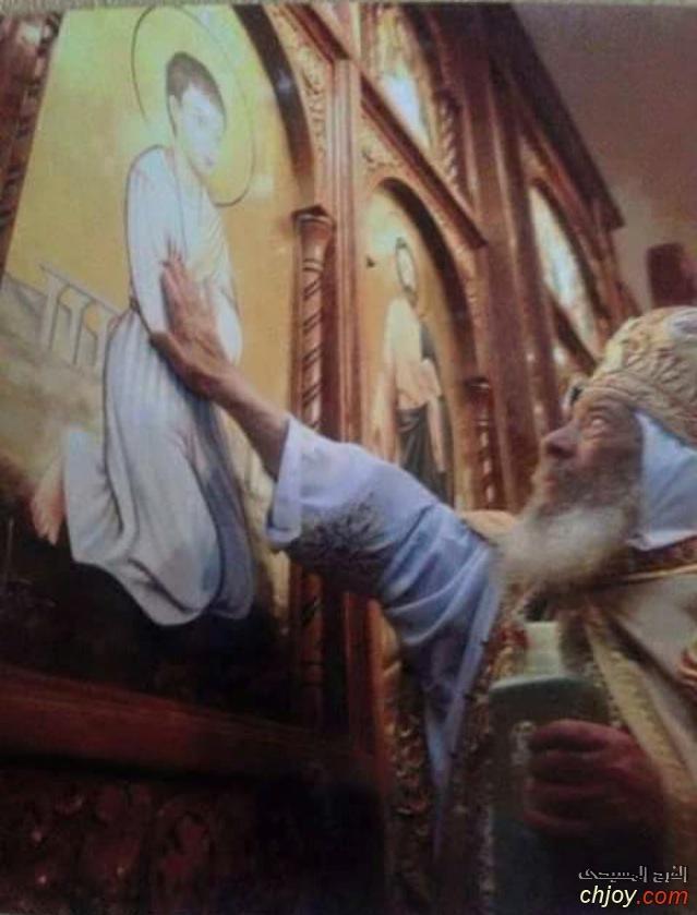 البابا شنودة يدشين صورة القديس ابانوب النهيسي