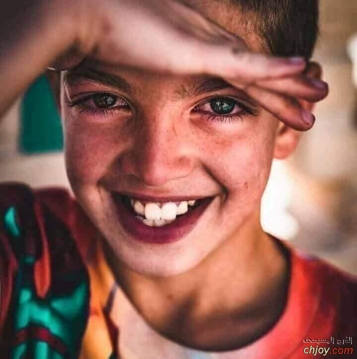 لاتغركم الأبتسامة..  ركزوا في العيون ستعرفون الحقيقه 😔