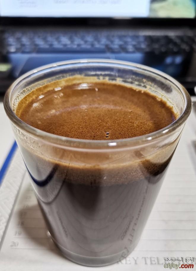 في ركنٍ هادئ نلتقي أنا و قهوتي