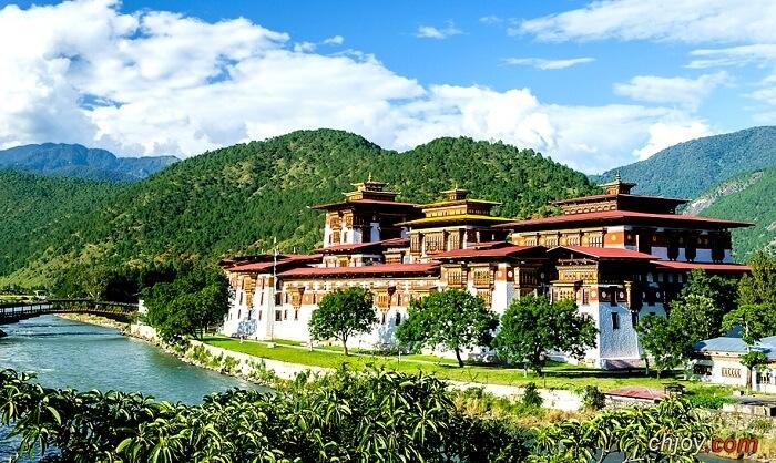 اهم الاماكن السياحية في بوتان