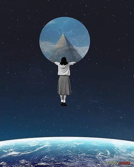 يطوف خيالي الي كوكب مبهج اطمح الهي ان تأخذني اليه بعيدًا عن احزان الأرض