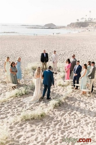استوحي أفكاراً مبتكرة لحفل زفاف على الشاطئ