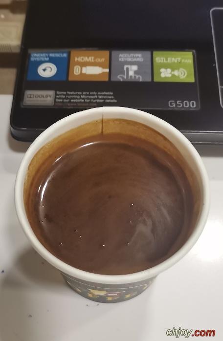لديَّ ما يَكفي من الذكريَات لأشْرب قهوتي وحْدي