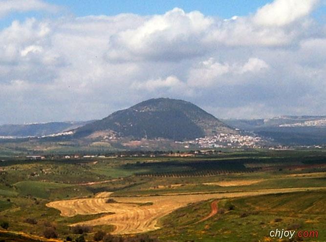 من الجبال في الكتاب المقدس جبل سَعير