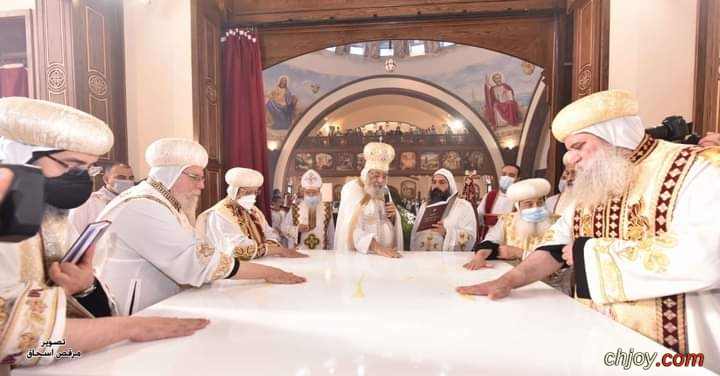 صور البابا تواضروس يدشن  كنيسة السيدة العذراء والأنبا تكلا هيمانوت