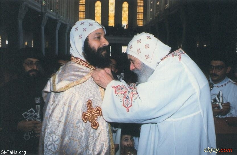صورة البابا شنودة الثالث مع الأنبا رفائيل